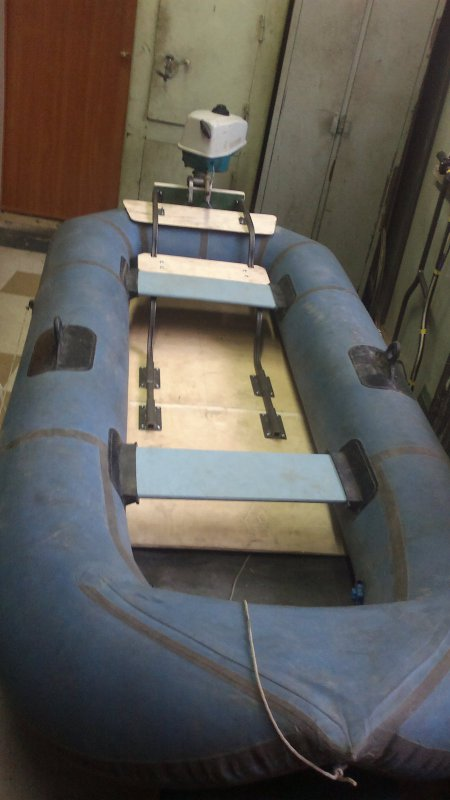 способ крепления транца к надувной лодке