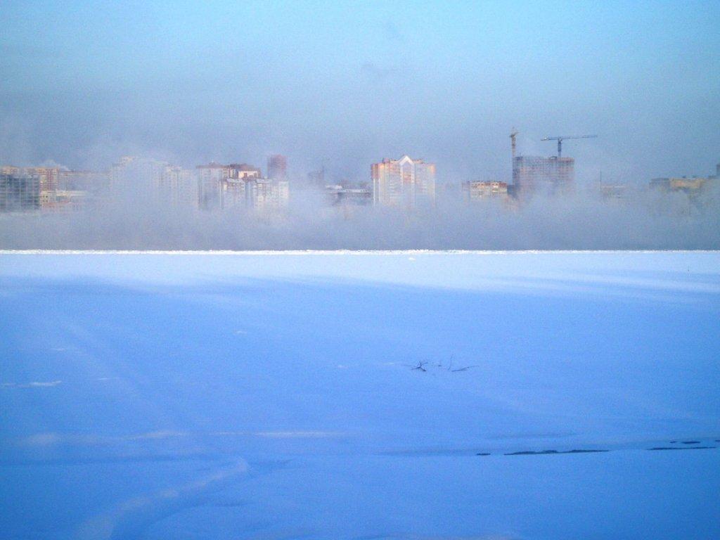 Парит кормилица р. Обь в мороз.
