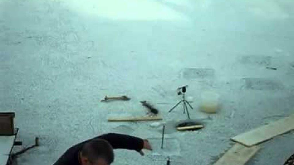 Словил щуку на зимней рыбалке Word pike on winter fishing