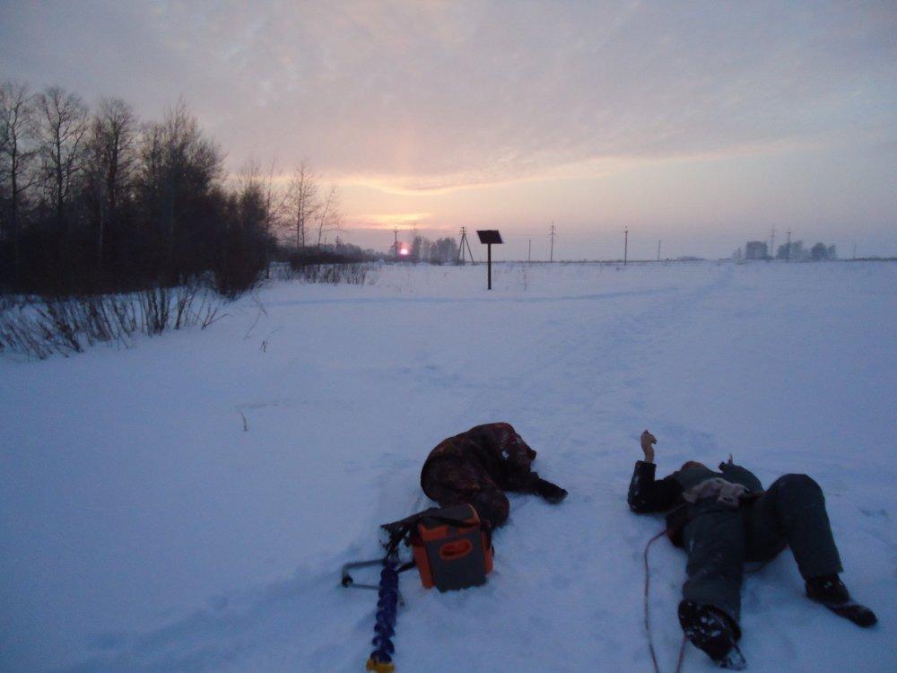 После 10 км по рыхлому снегу сил на обратную дорогу не осталось