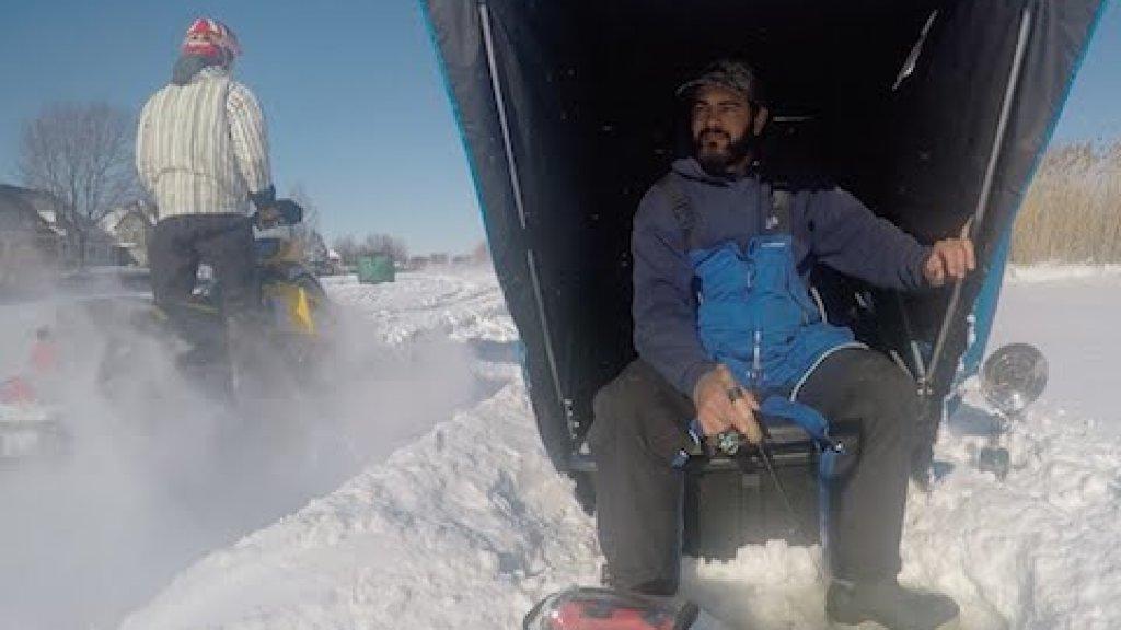Snowmobile VS Ice Fisherman(снегоход и зимний рыбак)