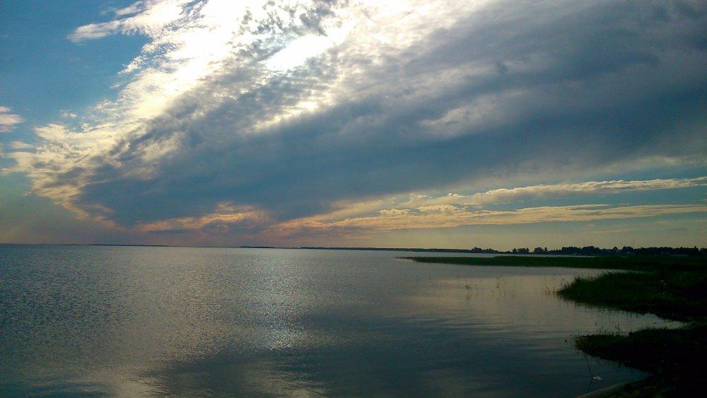 оз.Чаны фото с пляжа базы Лазурная бухта