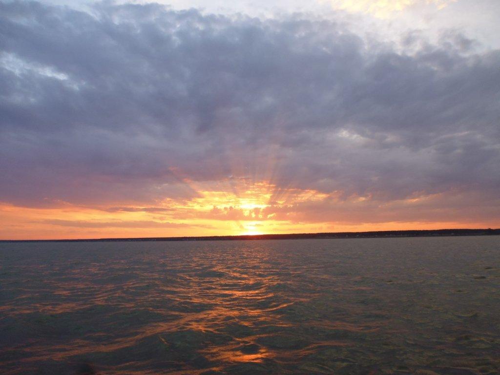 Заход солнца.