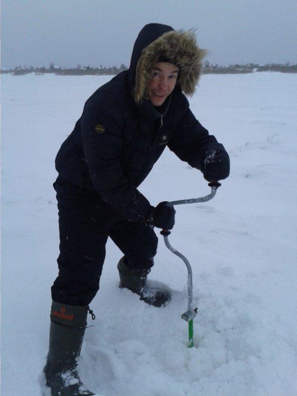 На томи лёд уже пол метра