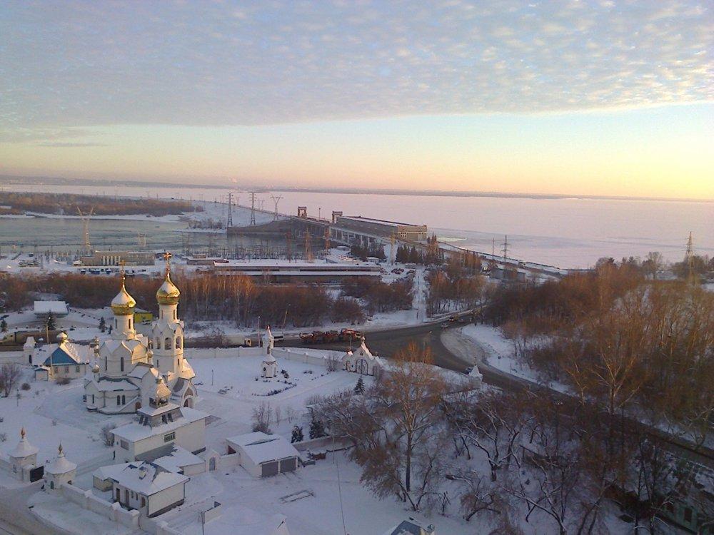 ГЭС зимой