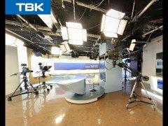 Журналисты обсуждают мой ролик про подводную охоту на местном телевидении в Красноярске