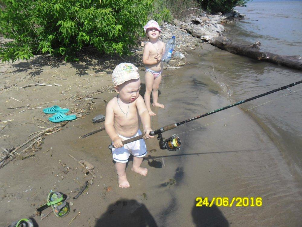 Еременко самый младший на рыбалке