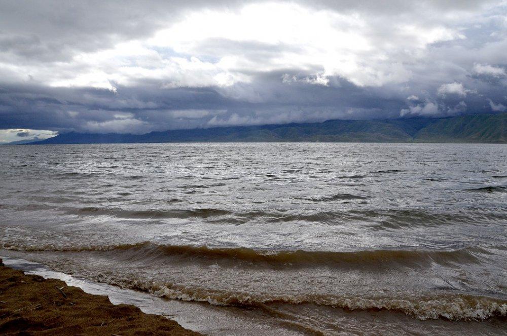 Бухтарминское водохранилище - непогода