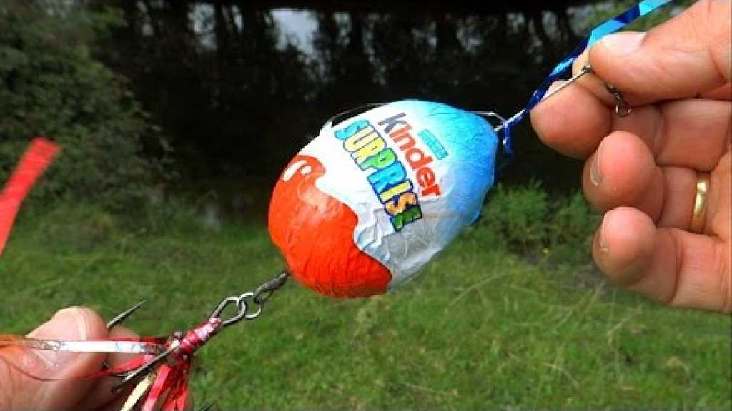 Will pike eat chocolate or Fishing wt Kinder Surprise Egg. Рыбалка: щука на шоколад