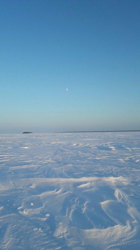 Морозный денек, но рыбалку никто не отменял.