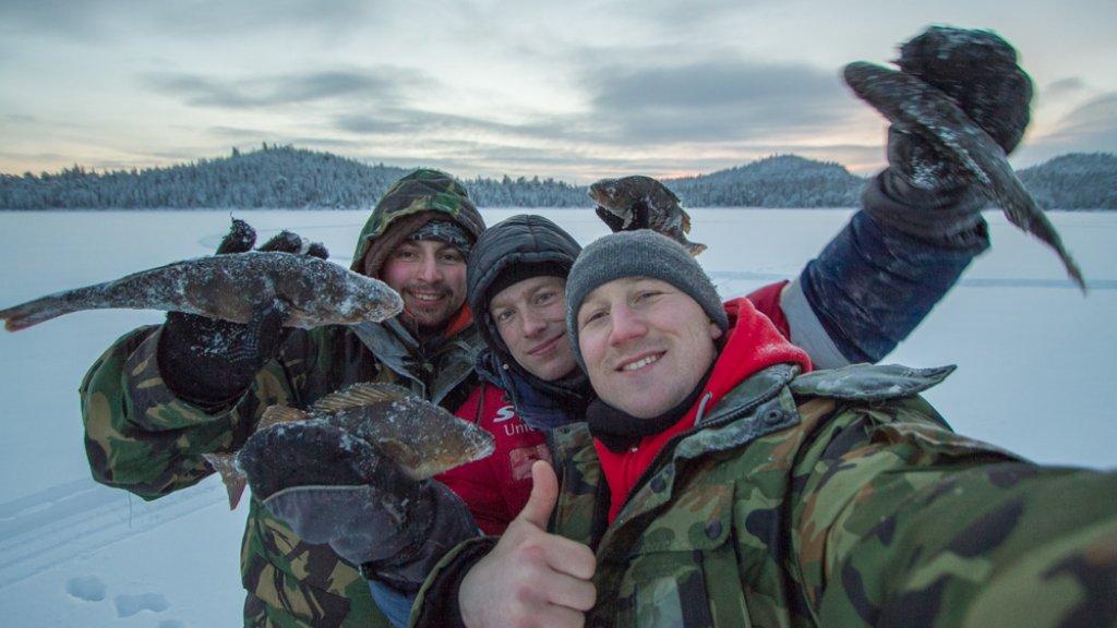 Скучный декабрь. Рыбалка в полярную ночь.