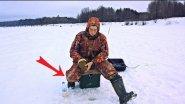 КРУПНАЯ ПЛОТВА НА БЕЗМОТЫЛКУ - Первые Трофеи (Зимняя рыбалка на Безмотылку «Чёртик») / Large Roach