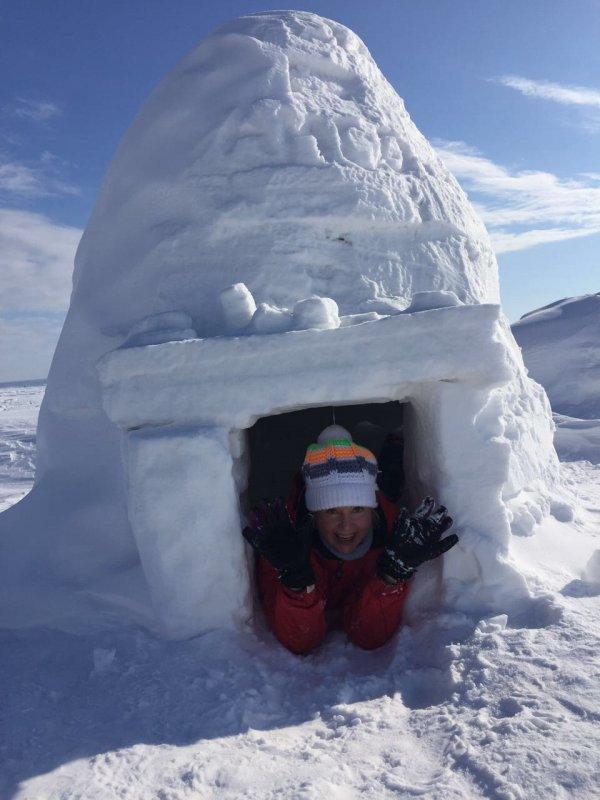 Сдается домик на льду ОВХ для рыбалки на конечной 45 за недорого (без жены..:))