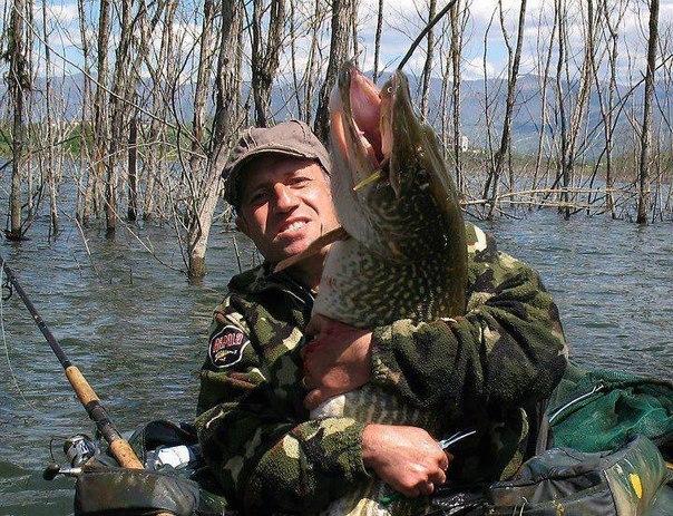 Фото из соцсети. Размер рыбы поразил)