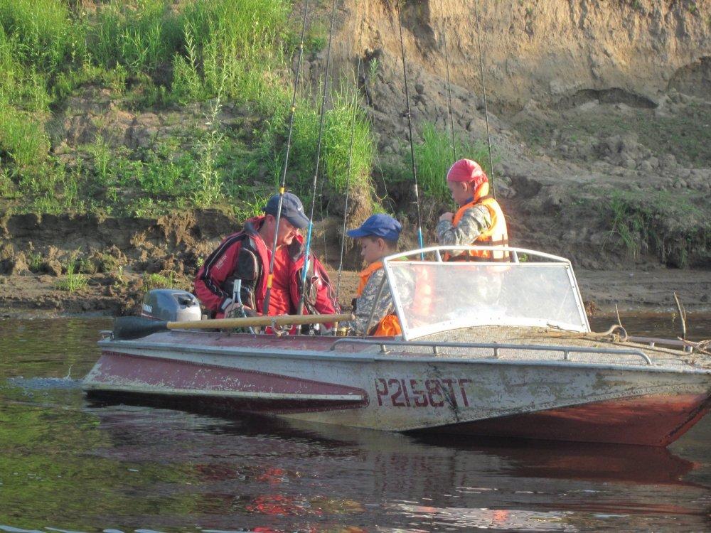 процесс подготовки к рыболовному процессу