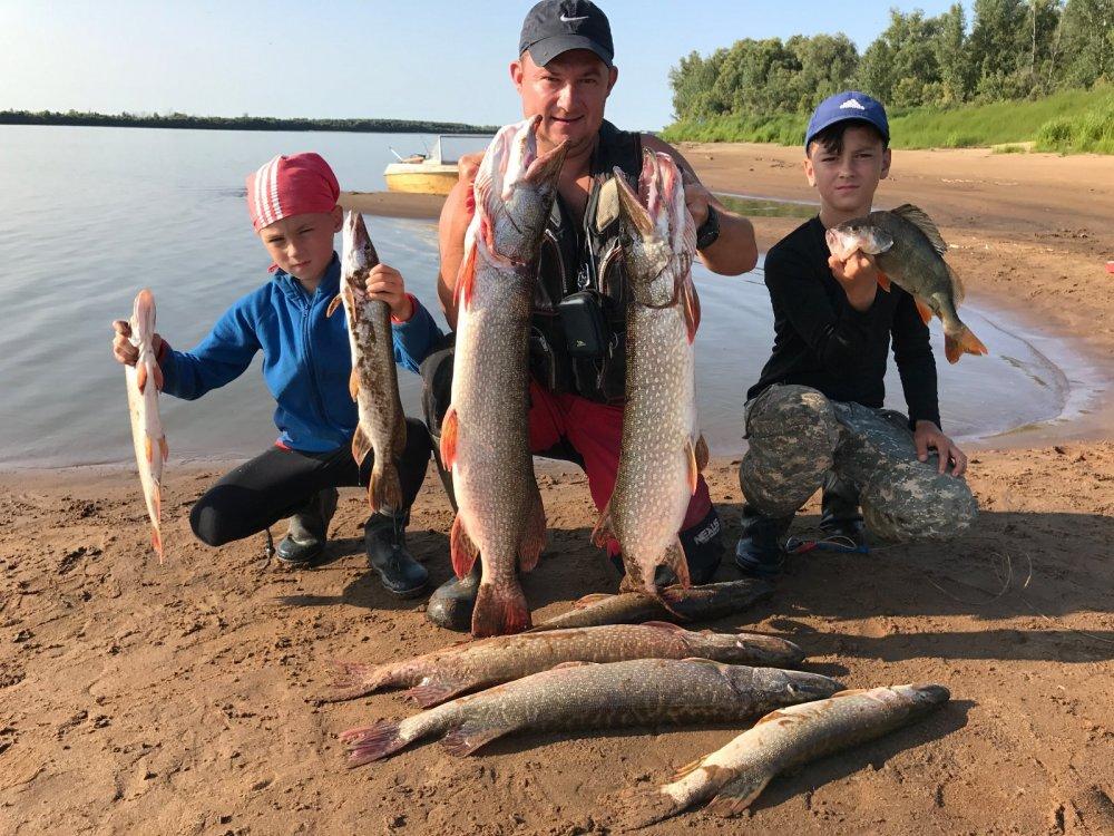мужики рыбаки