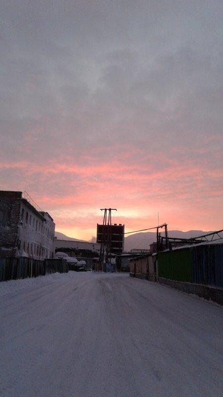 Норильск. Последние лучи солнца перед полярной ночью.
