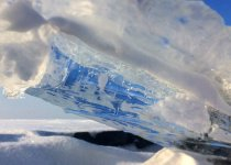 Голубое небо сквозь Обские льды