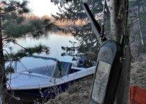 Спутниковый телефон в помощь, когда уплываешь на километры от цивилизации :)