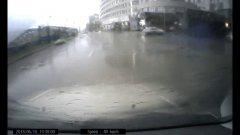 Попал!  Хорошо, что не на реке!