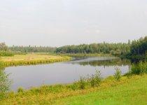 Тихое озеро издалека.