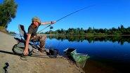 Разгибает крючки и рвёт поводки. Рыбалка на реке Ахтуба 2018. Ловля на фидер.