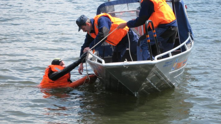 ГИМС напоминает рыбакам об опасности водоемов осенью
