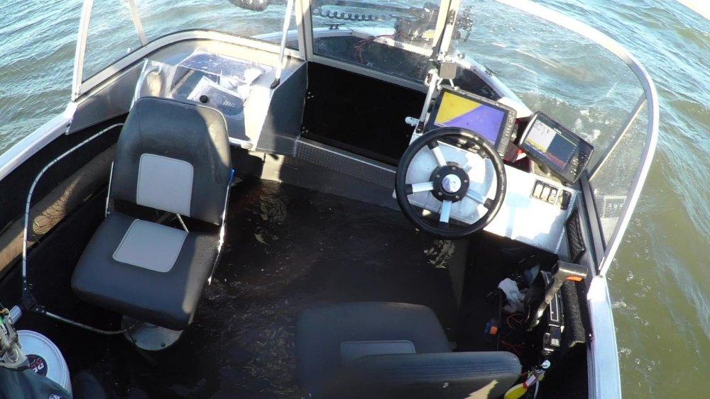 Маленько воды в лодке