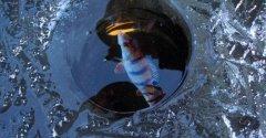 Что делать, чтобы не замерзала лунка на зимней рыбалке?