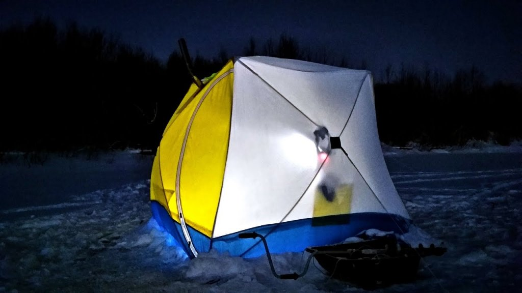 На льду как дома / рыбалка с комфортом / ловим плотву / наедине с тайгой