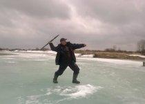 Зимняя олимпиада, метание пешни.