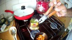 На кухне среди котлет делают силиконовые приманки