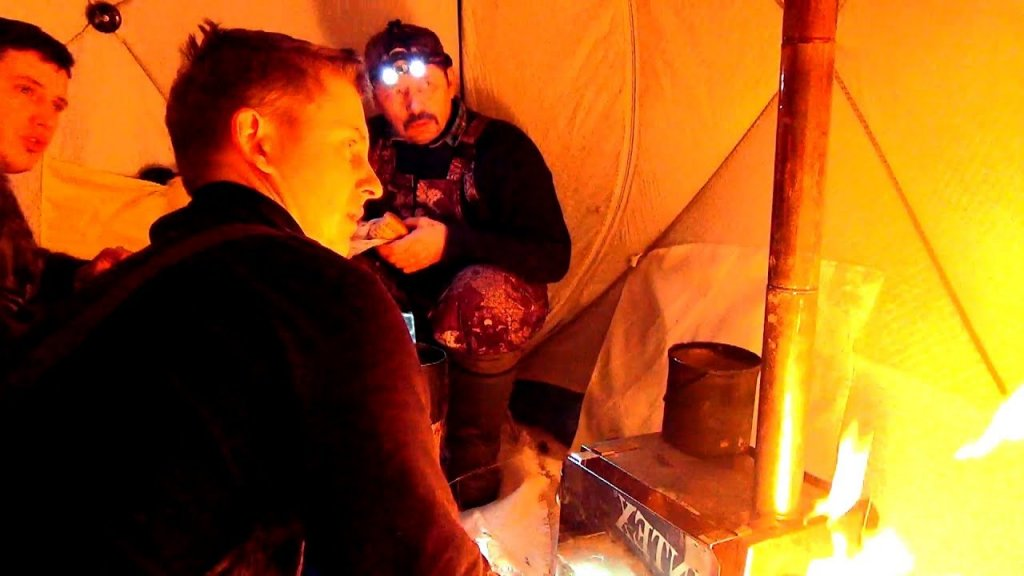 Ночевка в палатке втроем. Жерлицы, подводные съемки. Часть 2 - наедине с тайгой