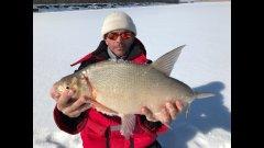 Трофейные язи и лещи. Закрытие зимней рыбалки