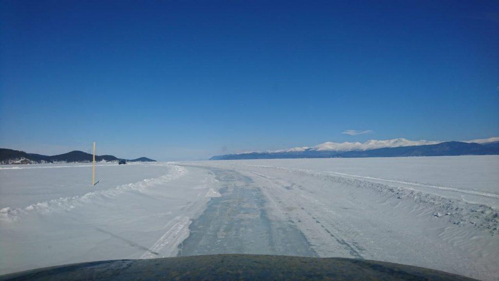 Байкал, Чивыркуйский залив зимняя дорога по льду