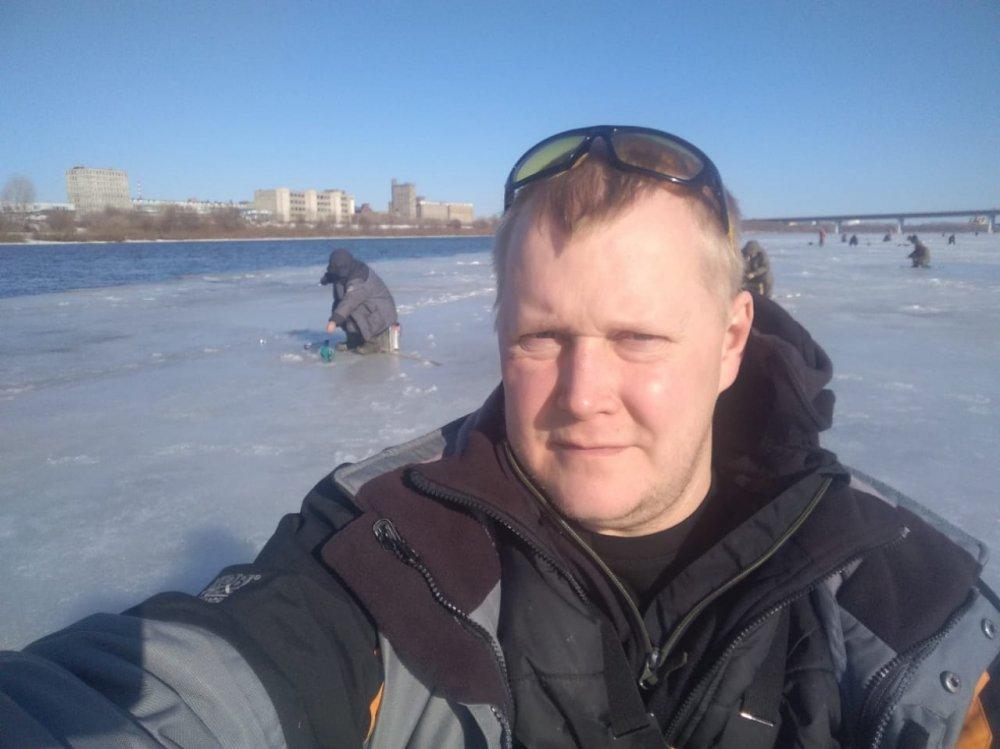 Н. Новгород. Рыбалка у воды. 23.03.19.