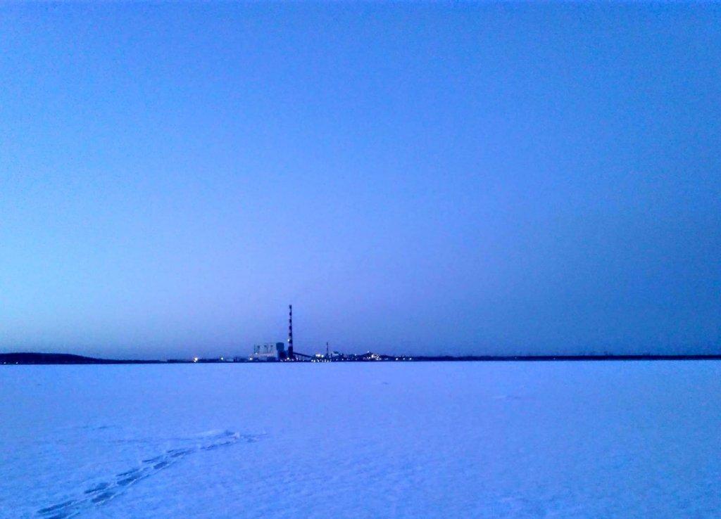 Самая высокая труба России на рассвете