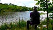 На рыбалку с тещей. Вечерний клев карпа и карася в мае на боковой кивок и поплавочную удочку