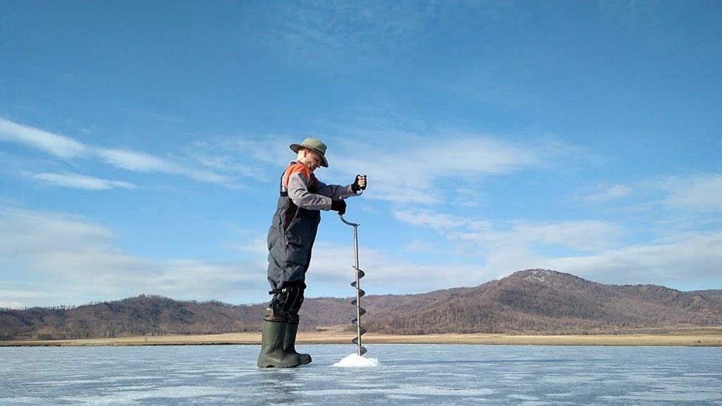 Подарок хана Алтая. Апрельская рыбалка на льду горного озера.