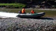 Супер-проходимая лодка для малых рек. Удивительно, что она может!