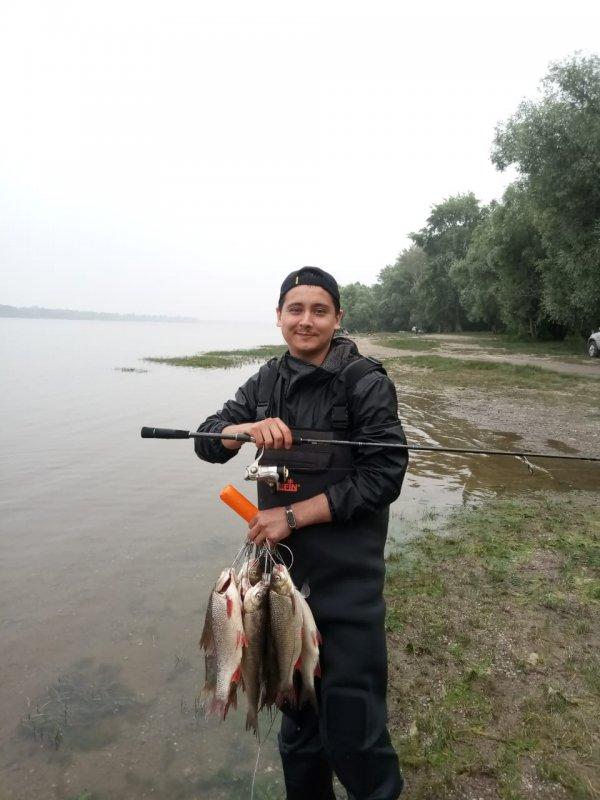 Еще один удачный день на рыбалке.