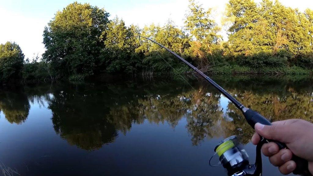 Рыбалка на малой реке на спиннинг