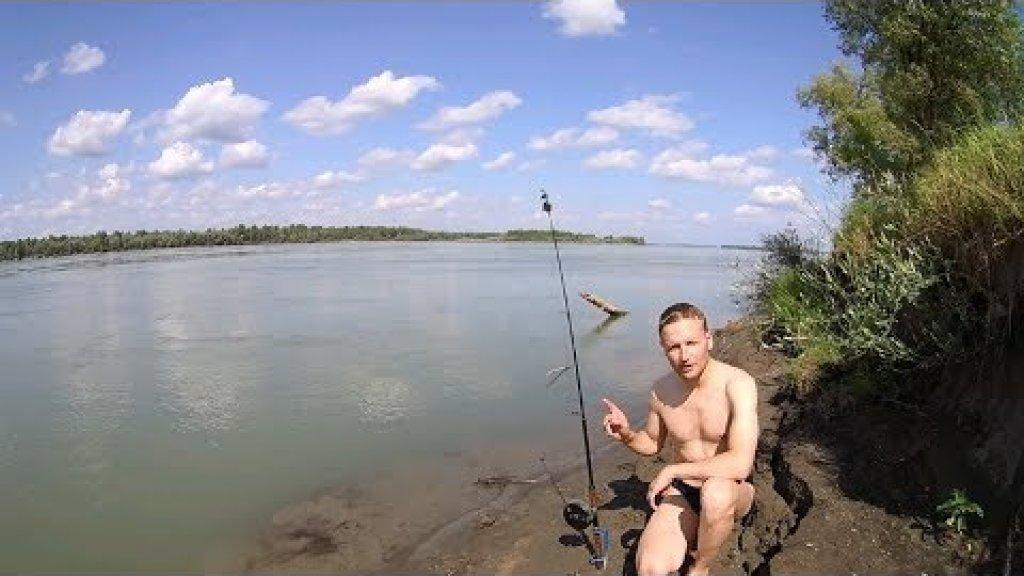Погнула подставку и утащила спининг! И всё-таки её поймал!!! Рыбалка с ночевкой на берегу реки.