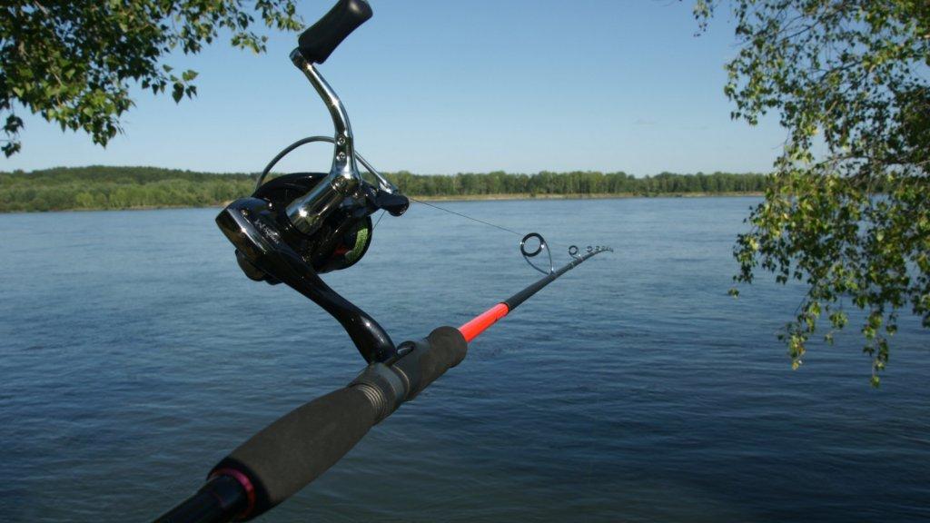 На рыбалке со спиннингом от SibBear Sakana 802XHS и катушкой Strong-M 4000