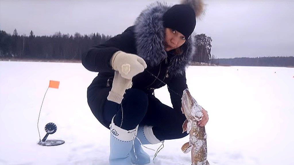 Открытие сезона зимней рыбалки с семьёй