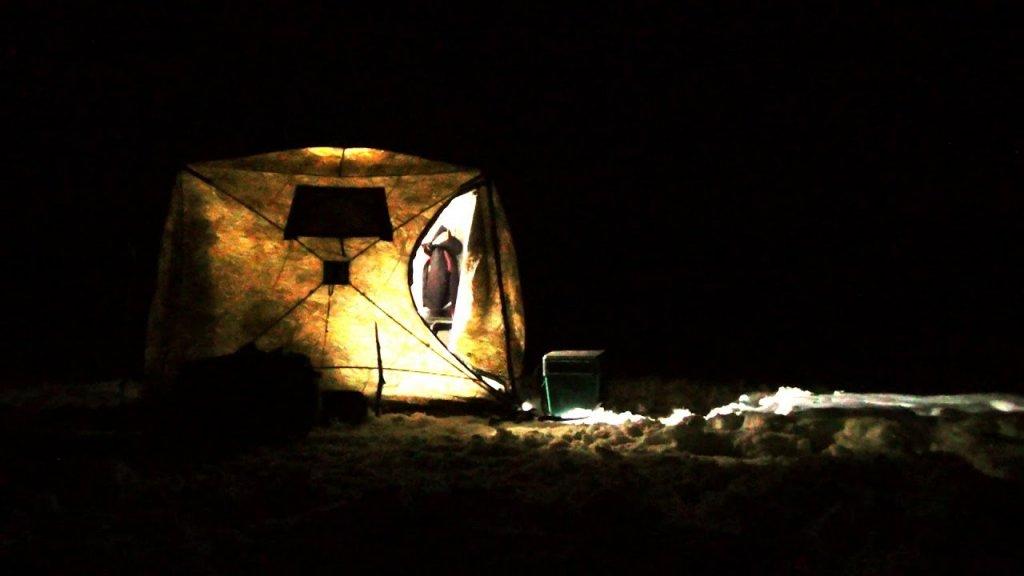 На льду как дома. Рыбалка с ночевкой в палатке