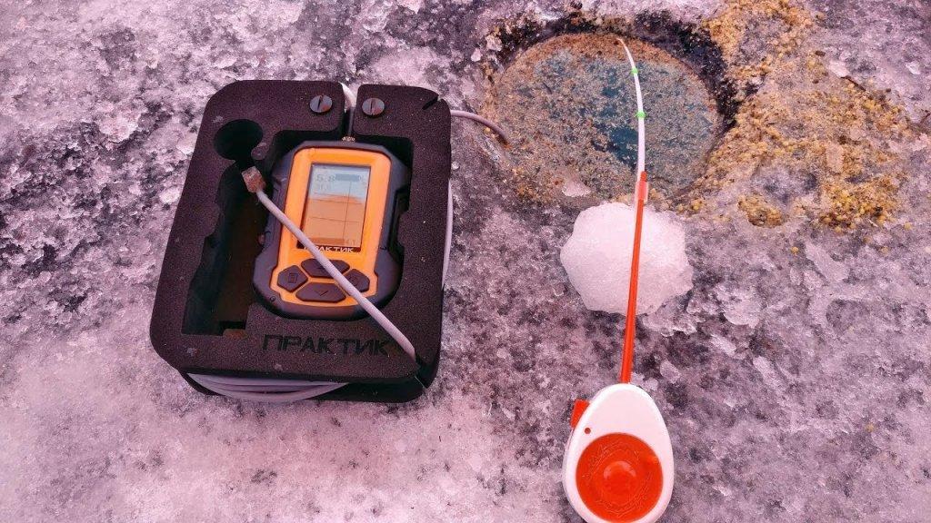 Рыбалка зимой. Поиск рыбы с эхолотом