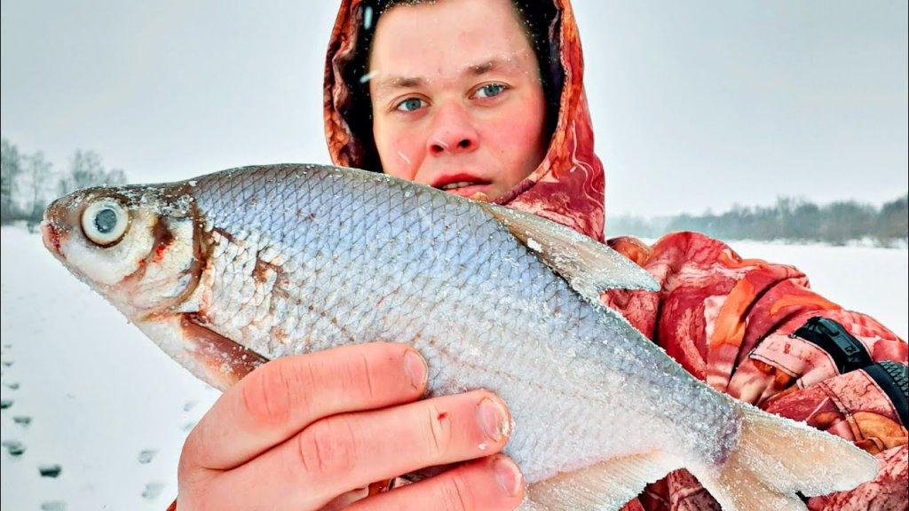 Эти кабаны утащили удочку! Ловля крупной густеры и сопы… зимняя рыбалка на реке 2020