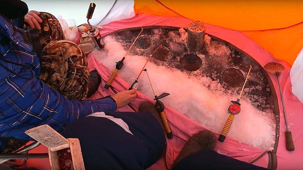 Бешеный клев чебачка! Зимняя рыбалка на Новоомском затоне, р. Иртыш