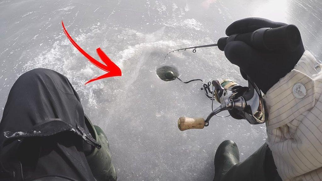 Лед уже трескается под ногами. Ловля и поиски подлещика и леща